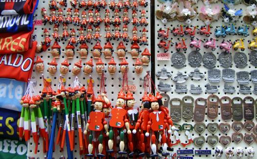 epanto, italian souvenirs via Flickr CC BY-SA 2.0