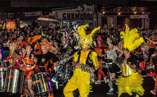 Hasitha Tudugalle, Mardi Gras 2013 via Flickr CC BY 2.0