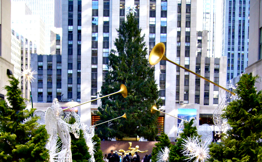 Christmas tree at Rockefeller Center (Image: James Manners used under a Creative Commons Attribution-ShareAlike license)